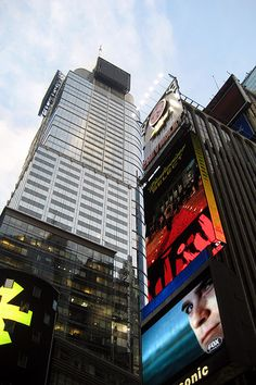 NYC - Times Square: Condé Nast Building and One Times Square