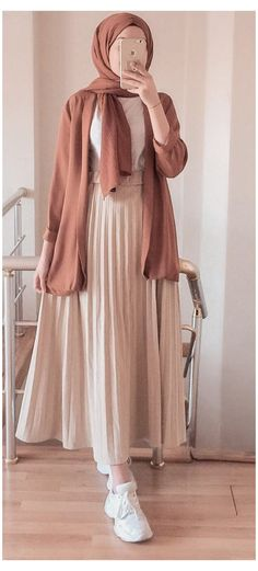 Hijab Fashion Summer, Modest Fashion Hijab, Modern Hijab Fashion, Casual Hijab Outfit, Hijab Fashion Inspiration, Islamic Fashion, Muslim Fashion, Mode Inspiration, Look Fashion