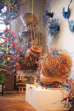 The (Sciend and) Art of Nathalie Miebach via Fiber Art Now Textile Fiber Art, Textile Artists, Abstract Sculpture, Sculpture Art, Artistic Installation, Science Art, Fabric Art, 3doodler Ideas, Glass Art