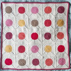 Ravelry: Bouncy Ball Baby Blanket  {crocheted by frankiedavis' baby girl one}