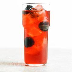 Blackberry-Bourbon Lemonade Ingredients 1/4 cup bourbon (2 oz.) 1 1/2 tablespoons lemon juice (3/4 oz.) 2 teaspoons Blackberry-Rosemary Syrup 1/3 cup sparkling lemonade, chilled   Fresh blackberries (optional)