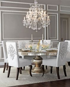 Inspiring dining room table design with modern style ideal lighting 22 Elegant Dining Room, Luxury Dining Room, Elegant Home Decor, Dining Room Sets, Dining Room Furniture, Dining Chairs, Room Chairs, Office Chairs, Furniture Ideas