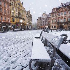 Prague, Czech Republic. A dusting of snow  (: @ilhan1077)