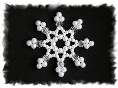 Новогодние снежинки   biser.info - всё о бисере и бисерном творчестве