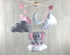 Bebé elefante móvil  Luna móvil  móviles  Luna y estrellas