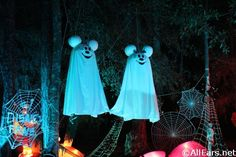 1000 Ideas About Disney Halloween Decorations On
