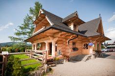 Domki Pod Reglami (Zakopane, Polska) - opinie o ranczo oraz ceny - TripAdvisor Barn Homes Floor Plans, Cabin House Plans, Diy Log Cabin, Log Cabin Homes, Log Home Kits, Rustic Home Design, Minimalist House Design, Unique Buildings, Cabins And Cottages