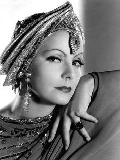 "Greta Garbo in ""Mata Hari"" Greta Garbo decked out in Art Deco Fashion, 1931 Hollywood Vintage, Hollywood Icons, Old Hollywood Glamour, Golden Age Of Hollywood, Hollywood Stars, Classic Hollywood, Glamour Hollywoodien, Vintage Glamour, Vintage Beauty"