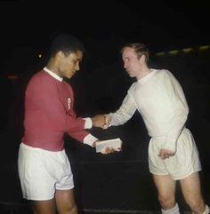 #Eusébio (#Benfica) and #BobbyCharlton (#ManUtd) #SLB #MUFC