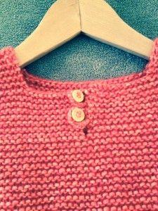 débardeur en tricot boutonnières