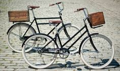 Vintage-inspired city bikes: I want one. With the crate.
