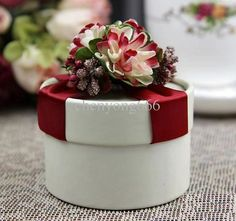 red favor box for wedding