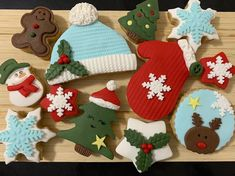 Yılbaşı kurabiyelerine tam gaz devam...#christmascookies #yılbaşıkurabiyesi  @sekersugar Pasta, Christmas Ornaments, Holiday Decor, Home Decor, Decoration Home, Room Decor, Christmas Jewelry, Christmas Decorations, Home Interior Design