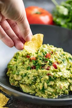 This Authentic Guacamole recipe is simple and delicious! It has that buttery, mild avocado flavor with a rich mix of herbs and spices—and it goes with everything! Other Recipes, New Recipes, Cooking Recipes, Favorite Recipes, Avocado Dessert, Authentic Guacamole Recipe, Mexican Guacamole Recipe, Homemade Guacamole, Avocado Toast