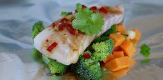 Fisk i folie – Berit Nordstrand I Love Food, Fresh Rolls, Sushi, Dinner, Eat, Cooking, Ethnic Recipes, Madness, Dining