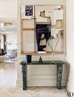 Interior Designer Rafael de Cardenas entryway via belle vivir blog