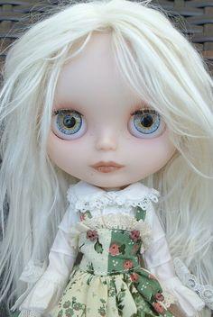 White Hair Blythe