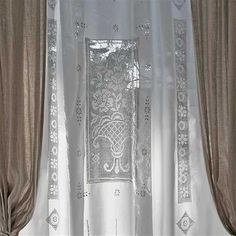 Tenda francesca | Ricami e Pizzi French Curtains, Linen Curtains, Window Curtains, Filet Crochet, Crochet Lace, Window Coverings, Window Treatments, Filets, Crochet Projects