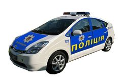 Arsen Avakov- МВД разрабатывает дизайн оформления оперативного автомобиля для новой патрульной полиции, которая сейчас формируется для Киева.  При выборе стиля, прежде всего, берем во внимание, что автомобиль должен быть яркий и виден издалека даже в плохую погоду и темное время суток.  На первом фото - автомобиль английской полиции. Формат маркировки полицейских автомобилей «Баттенберг» был разработан в 2012 году в Великобритании с целью повышения видимости автомобиля. Выбранная окраска…