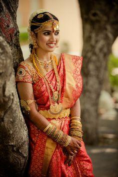 Indian wedding photography. Bridal photo shoot ideas. Indian bride wearing bridal saree and jewelry. #IndianBridalHairstyle #IndianBridalMakeup Neeta Shankar Photography