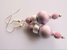 Oorbellen Brush Wood mooie metallic lichtpaarse houten kraal met tsjechisch facet glas. geheel verzilverd Swarovski, Pearl Earrings, Jewelry, Fashion, Wristlets, Moda, Pearl Studs, Jewlery, Jewerly