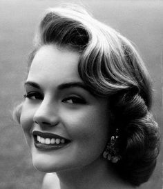 Myrna Hansen, Miss USA 1953