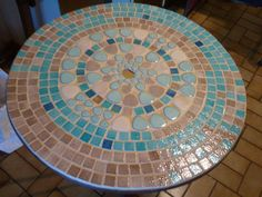 Table basse en palette et mosa que tr s beau idees d co en palette de bois wood palett - Table jardin mosaique jardiland perpignan ...