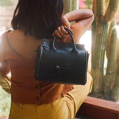Bank Bag in Black. Take a look at more pics #tigbankbag #tigselfmade