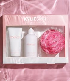 The perfect exfoliating and hydrating body set. Comes with coconut scrub, coconut lotion & loofah! Kylie Cosmetica, Victoria Secret Body Spray, Makeup Package, Kylie Jenner Makeup, Skin So Soft, Skin Makeup, Beauty Skin, Girly Things, Packaging