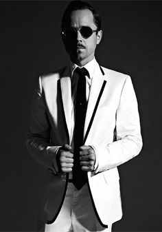 Giovanni Ribisi-Love him his name and this suit!