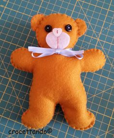 Orsetto realizzato con la fustella sizzix gingerbread man. By giuseppina ceraso https://crocettando.wordpress.com/2015/09/13/orsetto-in-pannoleci/