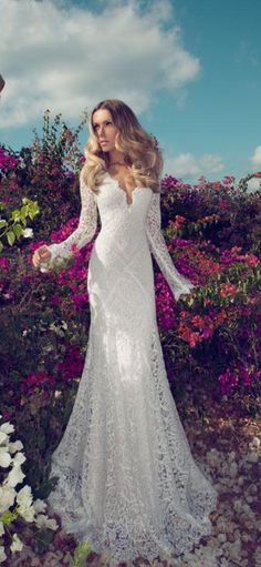 lace wedding dresses with long sleeve. http://www.lunedress.com