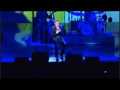 Michael Buble - 'Home', live at Madison Square Garden. How I feel when I'm going home to my City.  <3