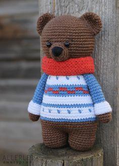 Купить Мишка в свитере. МК по вязанию игрушки крючком. Описание игрушки - комбинированный