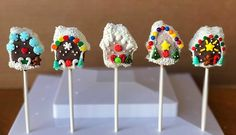Gingerbread House Cake Pops!