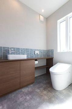 贅の家: 株式会社プラスアイが手掛けた洗面所/お風呂/トイレです。