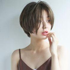 Pin on 髪型 Girl Short Hair, Short Hair Cuts, Pixie Cuts, Pelo Ulzzang, Ulzzang Hair, Short Hairstyles For Women, Cool Hairstyles, Hair Inspo, Hair Inspiration