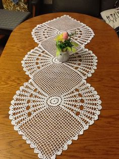 Cream Crochet Table Runner Cotton Table Runner Off-WhiteTable Cloth Table Decoration Center Piece Lace Table Runner Home Décor - MyKingList Crochet Table Runner Pattern, Free Crochet Doily Patterns, Crochet Tablecloth, Crochet Diagram, Filet Crochet, Crochet Motif, Shabby Chic Flowers, Crochet Dollies, Crochet Bedspread