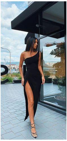 Pretty Prom Dresses, Unique Prom Dresses, Black Prom Dresses, Ball Dresses, Elegant Dresses, Fitted Prom Dresses, Sexy Dresses, Pretty Black Dresses, Stunning Prom Dresses