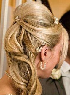félkontyok - esküvői frizura - félkonty