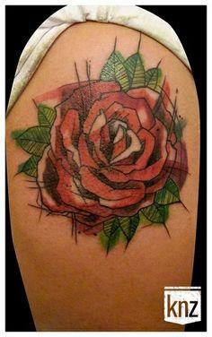 """#casttattoo  In redazione stanno arrivando tantissime foto di tatuaggi con storie bellissime.  Grazie a tutti e continuate così!  Ecco il tatuaggio di Suzielandia.  """" La rosa é il fiore preferito di mia mamma, che é mancata 12 anni fa.  Un ricordo solo per lei. """"  http://tattoo.codcast.it/"""
