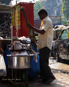 Mumbai daily: Readying for breakfast