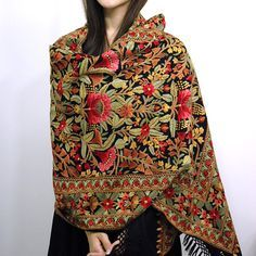 Hand Embroidery Aari Hand Embroidery - Pashmina and Cashmere Shawls, Hand Embroidery Shawls, Cashmere Shawls, Shawls,… Estilo Hippie Chic, Hippy Chic, Indian Attire, Indian Wear, Indian Dresses, Indian Outfits, Kashmiri Shawls, Indian Embroidery, Hand Embroidery