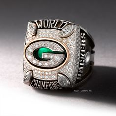Members of the Green Bay Packers organization received their Super Bowl XLV World Championship rings at a celebration Thursday evening in the Lambeau Field Atrium. The Packers selected Jostens to c… Green Bay Packers Fans, Green Bay Packers Pictures, Green Bay Football, Packers Baby, Go Packers, Packers Football, Greenbay Packers, Football Memes, Football Season