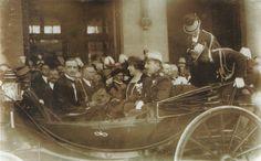 LA VIRGEN DE LOS DESAMPARADOS  Los reyes habían llegado ese mismo día, 11 de mayo, a la estación del Norte, donde fueron recibidos por el alcalde de Valencia, don Juan Artàl