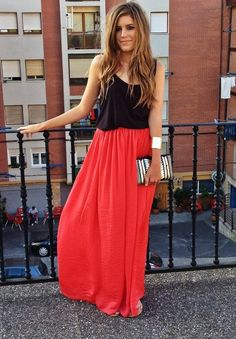 Tank, maxi and a clutch. Such a simple look, but so versatile. Wear it for a date night, drinks with the girls or even to church on Sunday mornings.