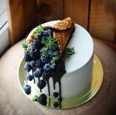 Pata hi tha. So when will u sleep? Maybe 1 or 2 kal college ka soch raha hu should I go or not Pretty Cakes, Beautiful Cakes, Amazing Cakes, Cake Recipes, Dessert Recipes, Drip Cakes, Food Cakes, Fancy Cakes, Creative Cakes