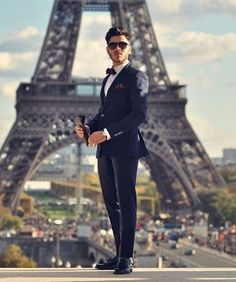 Deep Yearning — Gentleman in Paris ! Height Insoles, Fashion 2017, Mens Fashion, Look Street Style, Moda Chic, Elegant Man, Tailored Suits, Suit And Tie, Belle Photo