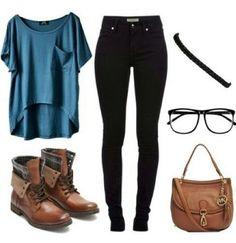 me encantan las botas y la blusa