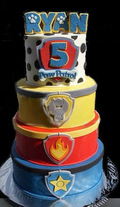 I think this might be Emma's Birthday cake, since she is so into paw patrol! Paw Patrol Birthday Cake, Paw Patrol Cake, Paw Patrol Party, Third Birthday, 4th Birthday Parties, Birthday Fun, Birthday Ideas, Escudo Paw Patrol, Cake Kit
